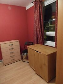 short term Twin room available in Limehouse station. £165pw all incl