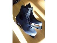 Mens ice skating boots size 13 (48)