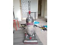 £40 - Vax Upright Vacuum Cleaner Mach Air Force Pet - 1,600 Watts - V130756 - Hardly Used