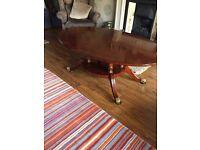Oval Coffee Table 144 x 92 (cm) see photos.