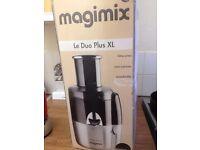 Magimix Le Duo Plus XL Juicer - Black and Satin finish