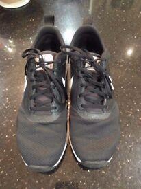 Nike Air Max Tavas Trainers - Size 9.5