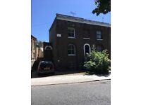 Georgian House to Rent. Available To Rent SE.5 Beautiful Location. Short Term
