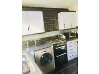 REDUCED NOW £150 kitchen units /worktop/sink