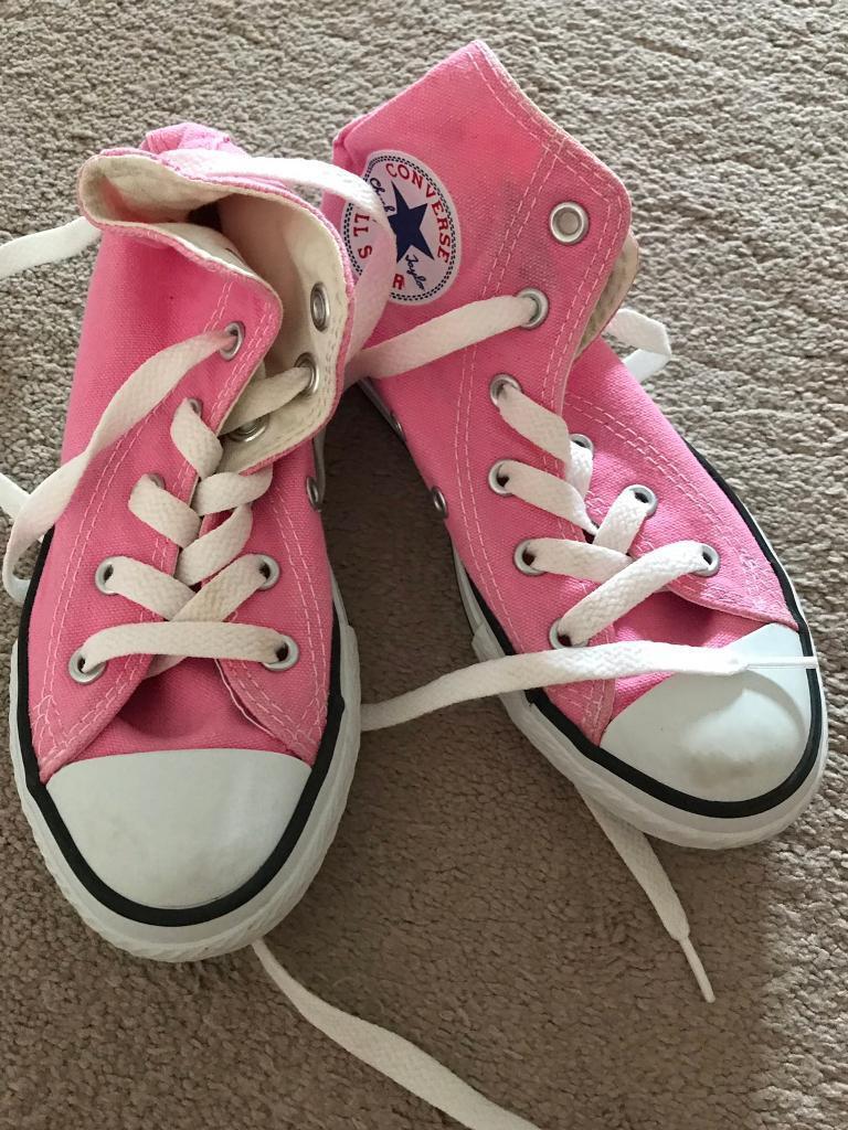 8bd3dff6b3bb Kids Pink Converse Trainers Size 12