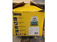Sale of Zanussi ZAN3002EL cylinder vacuum cleaner - White & Blue