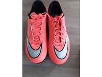 Nike Mercurial size 6/40 football boots with plastic blades. Worn twice!