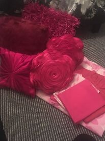 Cerise pink, double bed set including 5 Next cushions