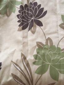 Beige flowered curtains (2 pairs)