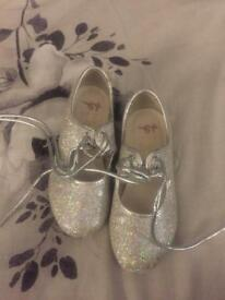 Silver sparkle tap shoes size 9