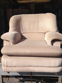 Cream fabric suite only £90