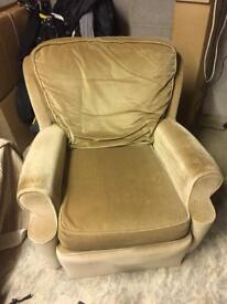 Retro arm chair. Needs casters but very comfortable.