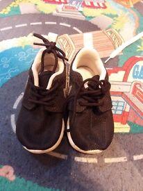 Nike roche infant 4.5