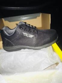 Steel toe caps size 8 brand new boxed ultra light