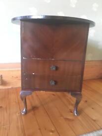 Beautiful Veneer Vintage Sewing Side Table