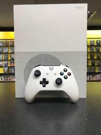 XBOX ONE S 500GB ONE CONTROLLER