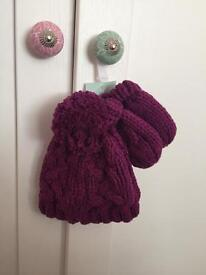 Brand new bobble hat & mittens. Age 0-3