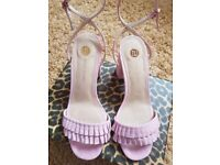 NEW IN BOX RIVER ISLAND PINK TAFFY HEELS SIZE 5
