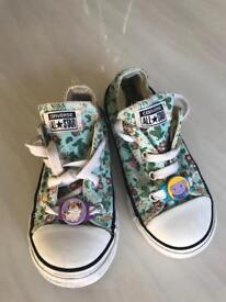 Converse girl trainers size 9