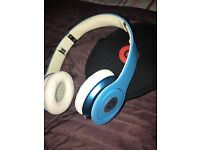 (Dr.Dre)Beat headphone . Brand news , just used once . Is just missing the cable
