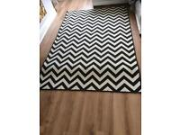 Large next rug black and white 160x240