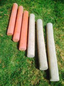 6 garden posts.