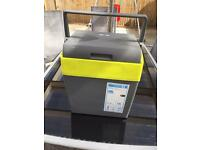 Cool box electric 12v 240v ideal for summer keeping your food chilled
