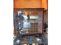 GLASS DISPLAY CARBINET