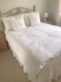 4 Drawer Double Divan Bed Complete with Bedding and Curtains