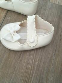 Ivory shoes baby girl