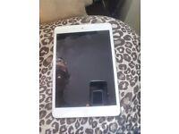 White 32G Ipad mini