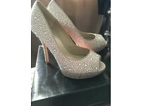 Karen Millen new 41 heels shoes