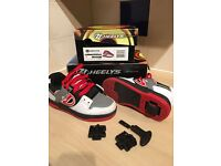 Boys Heelys Size 1 - White Black Grey Red – style no 770393H