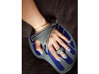 AQUA SPHERE Ergoflex Hand Paddle for Swimming