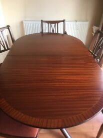 Dark Wood Extendable Wood Table & 6 Chairs