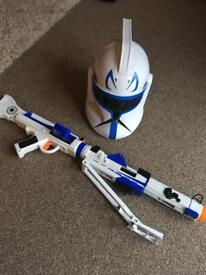 Star Wars Rebel Helmet & Gun