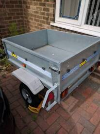Trailer with electrics