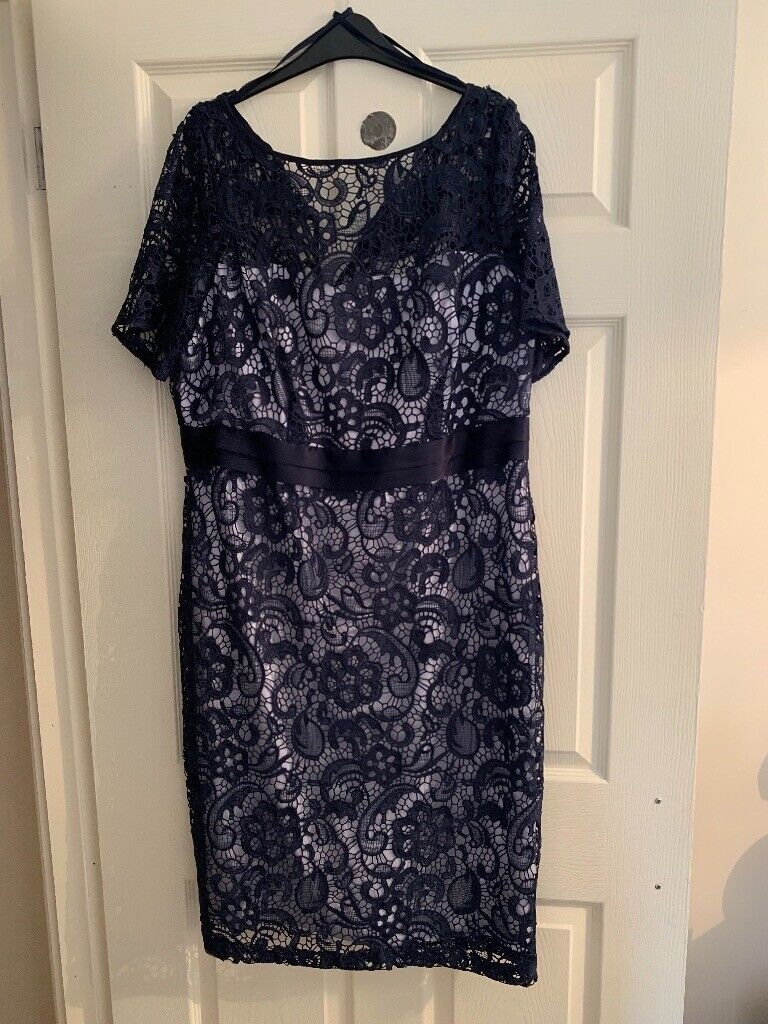 Berketex Size 18 Womans Navy Lace Dress In Airdrie North Lanarkshire Gumtree
