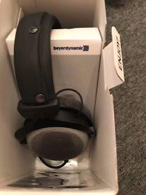 Beyerdynamics DT880 PRO Studio Headphones