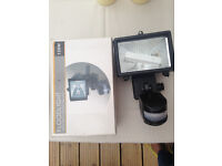NEW In Box, Floodlight With PIR Motion Sensor For Outdoor Use