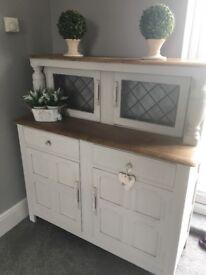 Dresser / buffet style cabinet