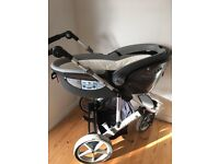 Britax Pram with baby cot-to-car option
