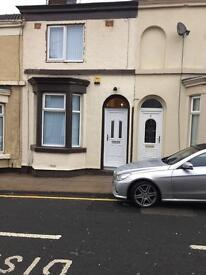 2 bed house. Off Sleepers hill