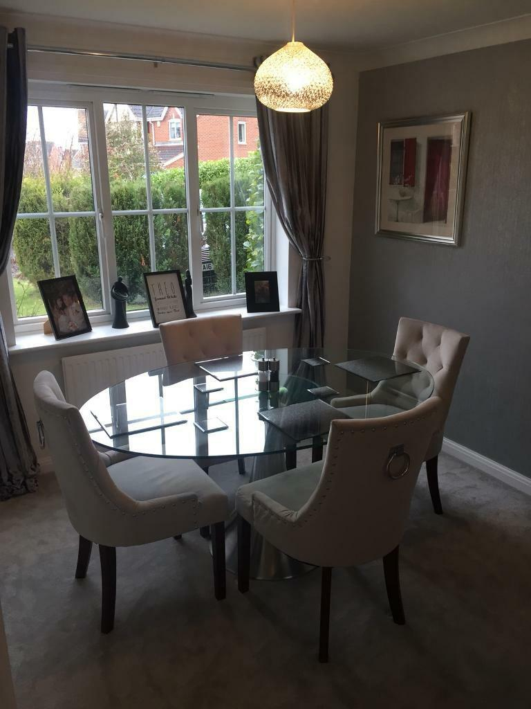 Beautiful Modern Glass Dining Room Table And 4 Chrome Ring