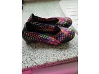 Black multi stretch shoes 5