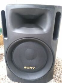 One Sony S1000 stage Speaker used as monitor great sound working