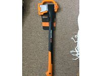 Fiskars X21 Splitting Axe. New. RRP45