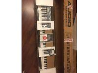 M-Audio Keystation 88 II Ultra-Portable 88-Key USB/MIDI Keyboard