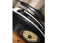 Vintage looking radio
