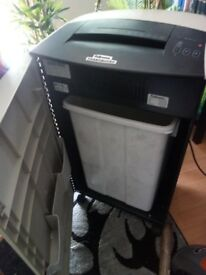 FELLOWES POWERSHRED C220